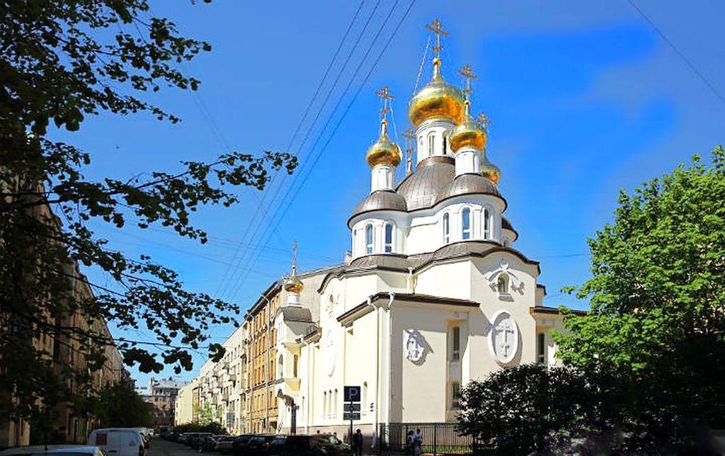Храм Блаженной Ксении Петербургской на Петроградской стороне (СПб, улица Лахтинская, 17)